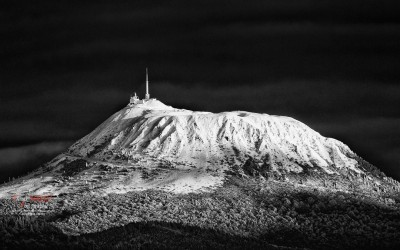 snow on puy de Dôme