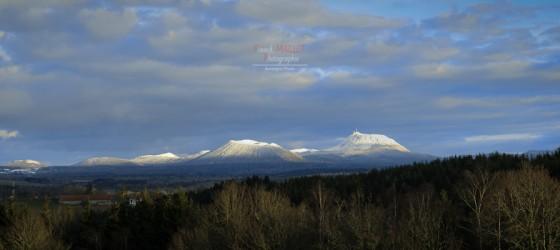 panorama chaîne des Puys neige