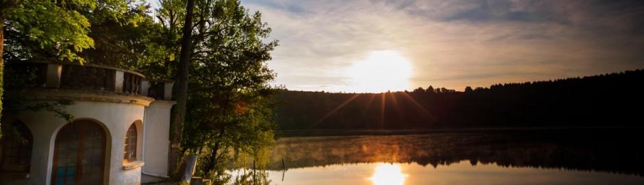 gour de Tazenat sunrise